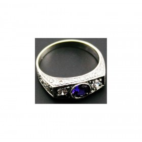 female silver ring with amethyst stone and rirconi ARGENTUM